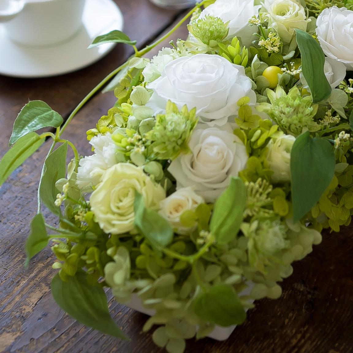 プリザーブドフラワー「花々の饗宴」の詳細その1